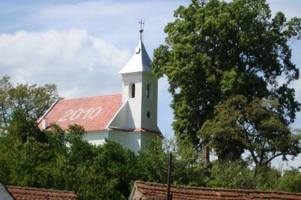 malnas-katolikus-templom31118BFE-F152-D1FC-AD8F-5FBA8576EB5B.jpg